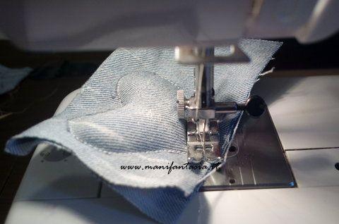 cuori di stoffa imbottiti, semplici e veloci da fare con il bordo lasciato a vista e tagliato a zig zag per bomboniere fiocchi nascita e decorazioni varie
