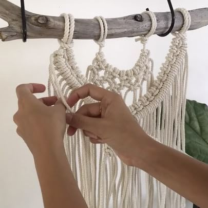 Don't worry the Learn To Macrame program videos will be much slower 😜 If you're interested in learning to macrame make sure you subscribe to the mailing list on my website. Registrations open next weekend to start learning in March 👐🏽