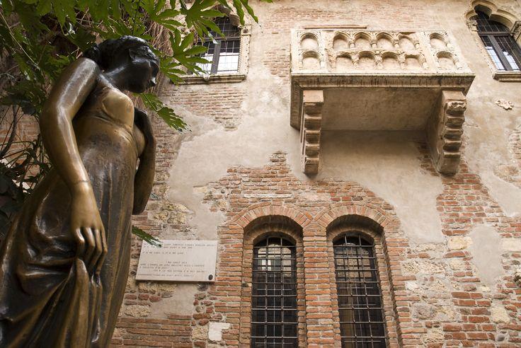 Verona, Statue of Juliet #Verona #Italy #Romeo&Juliet  #bestoftheday #romanticism