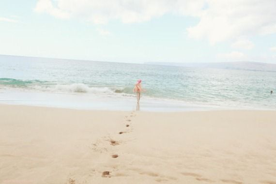 -: Charlotte Free, Beaches, Life, Favorite Places, Summer, Monday Quotes, Footprint, Wildfox, Photo