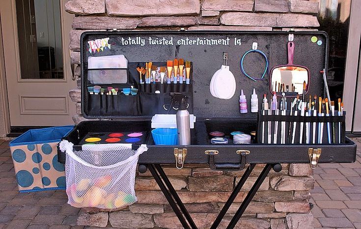 My Balloon Twisting Diary: My Face Painting Set Up