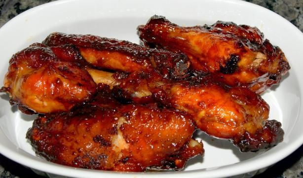 These were a huge hit at a football party        Teriyaki Chicken Wings from Food.com:   These are great for a party because they aren't as juicy as typical teriyaki chicken wings.  You can refrigerate these in a zip-loc bag and reheat in microwave.  Serve warm or room temperature.