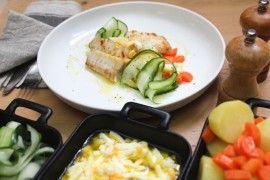 Pannestekt torskeloin med eggesmør & agurksalat