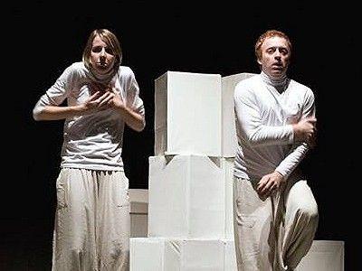 Teatro per le famiglie a Savignano sul Panaro, appuntamento con la Compagnia Arione de Falco (Milano) che mette in scena FAVOLA BIANCA!