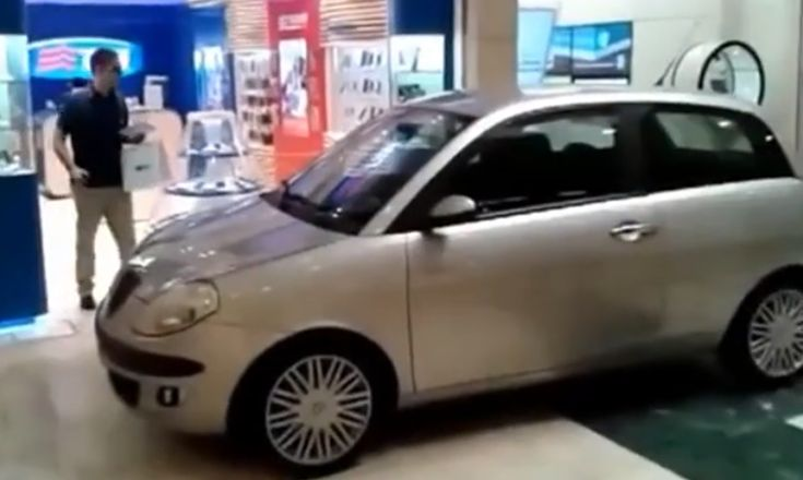 Crazy Man entered with Car into a Shopping Mall in Italy