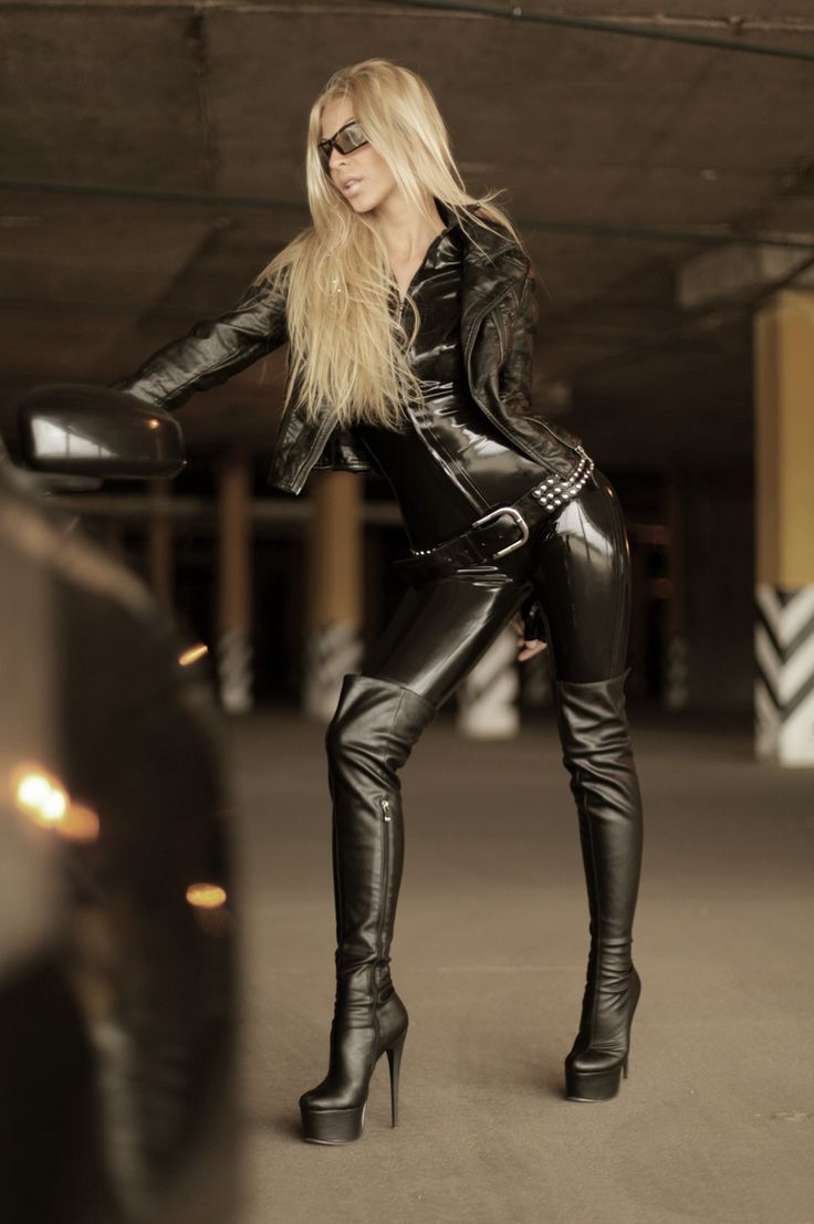 Russian latex girl  LATEX  Leather fashion Leather