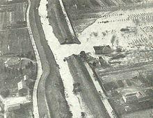 Fiume Santerno, alluvione del 1959. Le piene e le rotte del fiume rappresentarono un incubo costante per le popolazioni circostanti. Lo storico diMassa LombardaLuigi Quadri, ricorda come nel secolo che va dal1679al1778il Santerno ruppe gli argini ben quattordici volte e le sue acque allagarono le campagne circostanti. L'ultima alluvione registrata avvenne alla metà delXX secolo: il 5 dicembre1959il fiume Santerno ruppe l'argine in due punti e l'acqua invase i paesi sulla riva di…