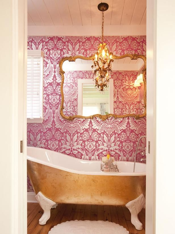 Property Brothers: Pink wallpaper and gold-leafed tub.