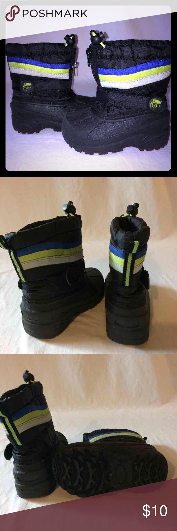 Boys winter boots boys winter boots size 7 black green blue