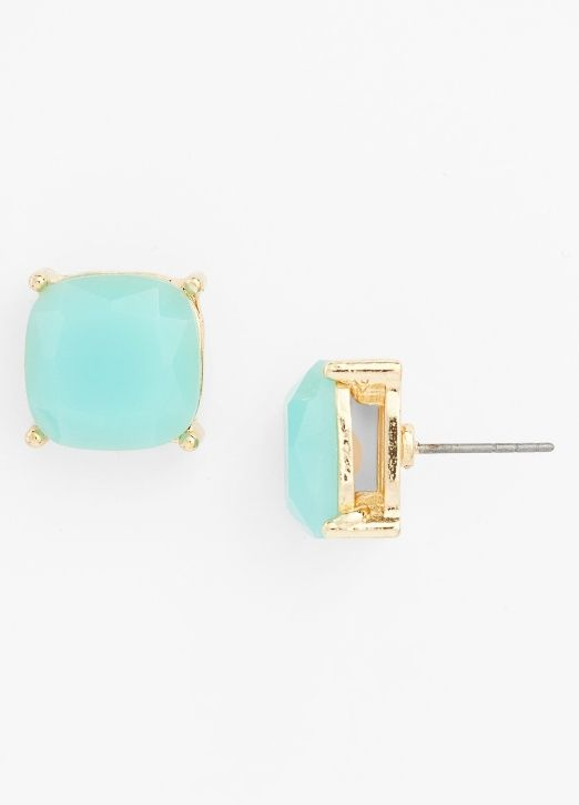 The prettiest mint stud earrings... and they're only $8!