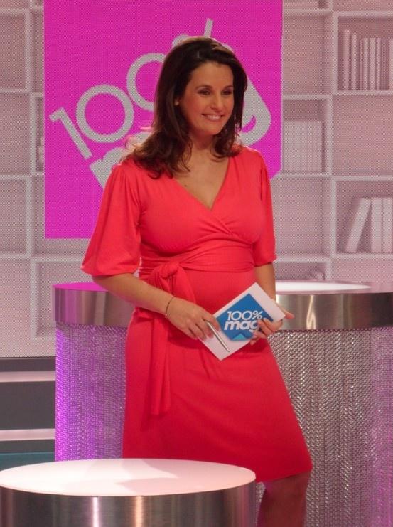 Envie de Fraise // Faustine Bollaert wearing Envie de Fraise Maternity Dress #MaternityStyle #Maternity #Fashion #BumpStyle #MomTobe #BabyBump