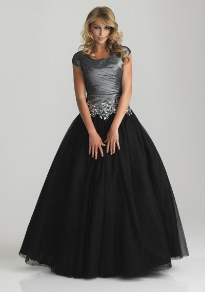 1000  ideas about Modest Formal Dresses on Pinterest  Modest prom ...