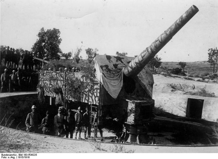 Heavy artillery from the German armoured cruiser Roon, 1915 - This Day in History: Mar 18, 1915: Allies open attack on Dardanelles (Gallipoli Campaign) http://dingeengoete.blogspot.com/