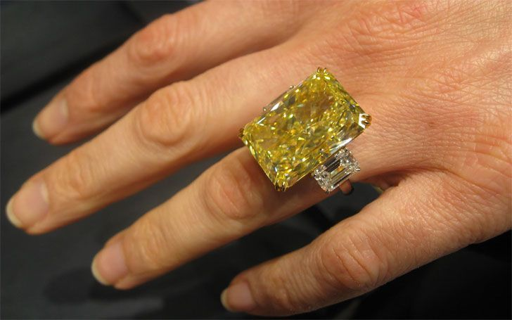 A ring is a halo on your finger, here is the list of top 15 most expensive wedding rings wore by the Hollywood actresses
