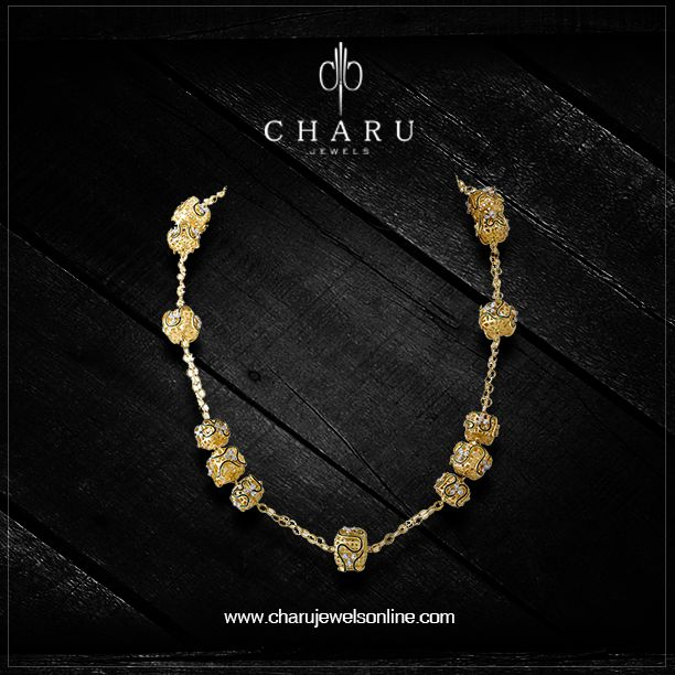 Beautiful Indian Gold Necklace. #gold #designer #IndianStyle #Couture #moda #precious #glam #jewelrygoddess #ethicaljewelry #ethicalfashion #jewelryjunkie