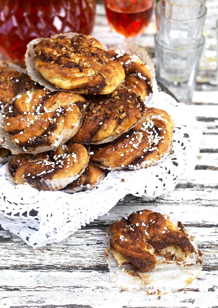 Glutenfria kanelbullar (utan mjölmix, naturligt glutenfria) ur boken baka glutenfritt av Nilla Gunnarsson och Susanne Hovenäs #glutenfritt #bakaglutenfritt #glutenfree #cinnamonbuns #swedish