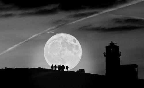 Beachy Head Supermoon Belle Tout lighthouse  Sussex Super Moon, moonlight #moon #moonlight #silhouette