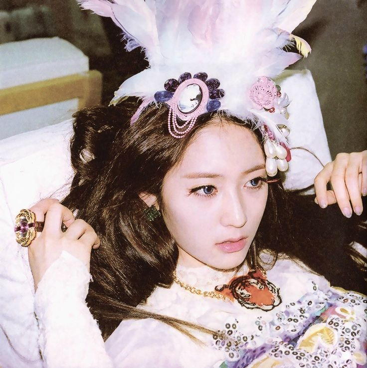 "[SCANS] 120617 Electric Shock Booklet HQ - Krystal | DearKrystal.net - f(x) Krystal International Fansite ""Shine Bright Like A Krystal"""