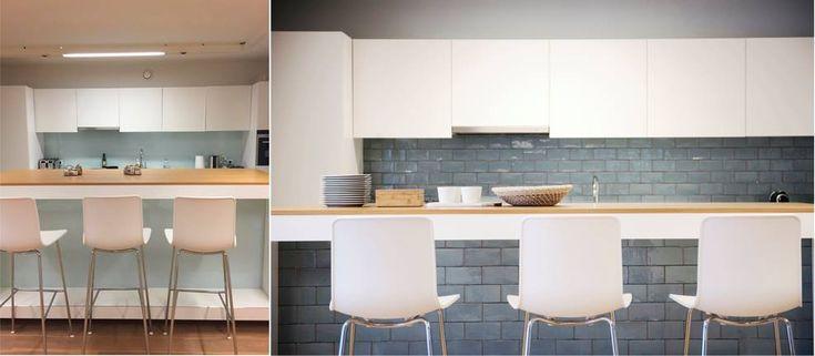 Keuken met achterwand en keukeneiland met Spaanse tegels Azulejos Aqua via Designtegels.nl