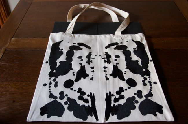 Create Your Own Rorschach Inkblot Tote BagAwesome Diy, Crafts Ideas, Basic Totes, Rorschach Inkblot, Inkblot Totes, Bags Diy, Totes Bags Upgrades, Diy Bags, Tote Bags