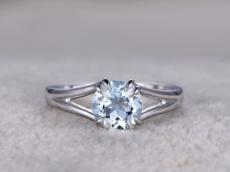14 ct White Gold Solitaire Emerald Cut Aquamarine and Diamond Rope Design Engagement/Promise Ring d5YTzE4j