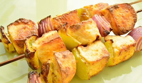 Панир тикка масала (жареный на гриле домашний сыр панир)