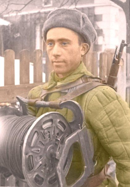 Soviet people of World War 2 in color: