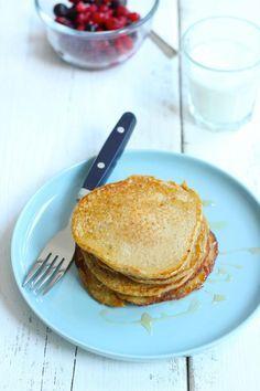 Havermoutpannenkoeken: 5 pannenkoeken, 100 ml melk, 75 gr havermout, 1 ei, 1 banaan - alle ingredienten in maatbeker, meng met staafmixer, beetje kokosolie in een pan, beide kanten 3 min bakken. Serveer met honing en banaan.