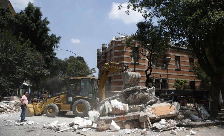 Powerful Earthquake Slams into Mexico City