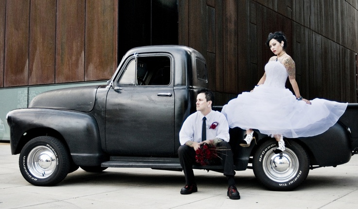 Vintage Rock & Roll wedding // gray photography by jeff & jewels