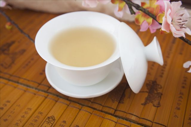 benefits of camote tops tea Hello, i was a graduating stud by now and i was conducting a thesis for now in supplementing the lemon grass tea or juice for broiler chickens i just wanna ask for the name of the real author for this article because i wish to use this article for my reference i hope you will help me thank you in advance for any replies.