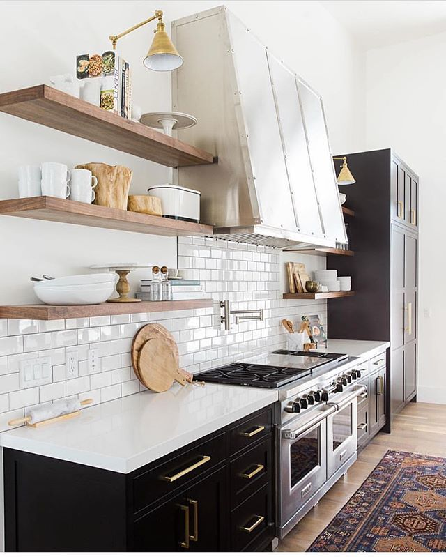 Pretty sure I've seen this kitchen in my dreams every. single. night!! Don't forget weekend favorites are still up live on the blog with all kinds of great deals on anything from rugs to great booties (great sale w/ free shipping) to one of my favorite mirror styles and more😍. Just follow the link in bio @zdesignathome or head to zdesignathome.com. @studiomcgee is responsible for this amazing space and believe me, I'm taking some major notes right now📝😍