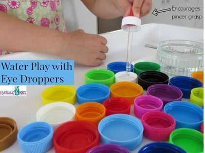 Fine Motor Activity of the Week: Water Play with Eye Droppers - pinned by @PediaStaff – Please Visit ht.ly/63sNtfor all our pediatric therapy pins