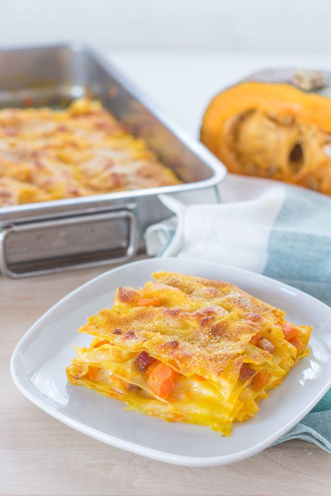 Le lasagne zucca e speck sono pronte, serviamole calde quando la mozzarella è ancora filante. Provate anche voi questa ricetta e ricordate di condividerla con tutti i vostri amici!