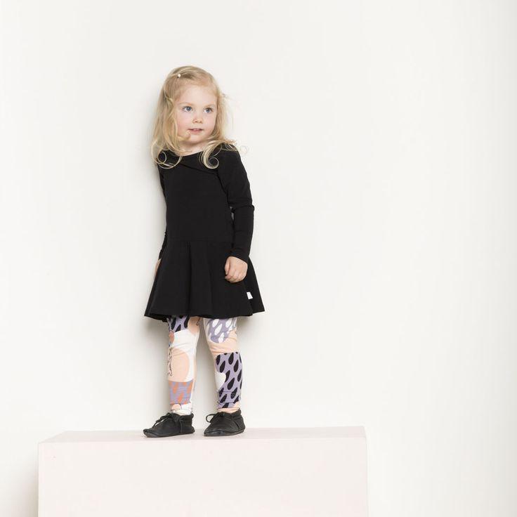 PUPU baby trikooleggings, bellini | NOSH verkkokauppa | Tutustu nyt lasten syksyn 2017 mallistoon ja sen uuteen PUPU vaatteisiin. Ihastu myös tuttuihin printteihin uusissa lämpimissä sävyissä. Tilaa omat tuotteesi NOSH vaatekutsuilla, edustajalta tai verkosta >> nosh.fi (This collection is available only in Finland)