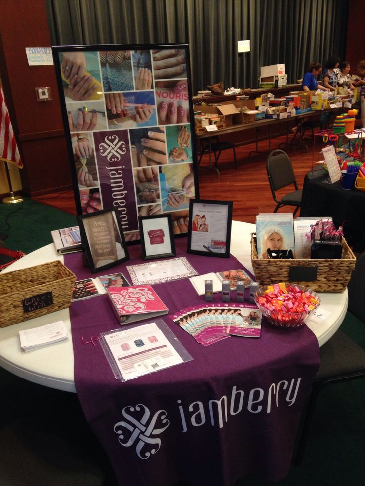 vendor event - Show stopping Jamberry table at a craft show https://www.mrslauradavis.jamberrynails.net