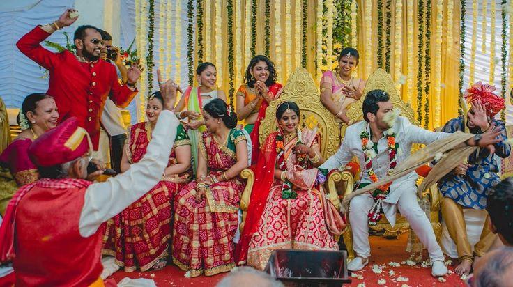 Bright Indian wedding! Photo by Fotografia 9, Mumbai #weddingnet #wedding #india #indian #indianwedding #weddingdresses #mehendi #ceremony #realwedding #lehenga #lehengacholi #choli #lehengawedding #lehengasaree #saree #bridalsaree #weddingsaree #indianrituals #indianweddingrituals #ceremonies #weddingceremonies