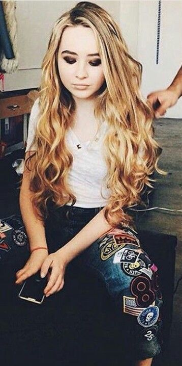 ((Sabrina Carpenter)) hi! I'm Sabrina you can call me Sabby! I'm 15 years old. I'm in my second year of school. I love choir class and art!!