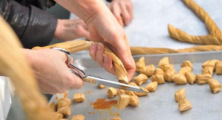 On étire en famille ce week-end! Ma recette de tire Sainte-Catherine, c'est la meilleure! - Desserts - Ma Fourchette