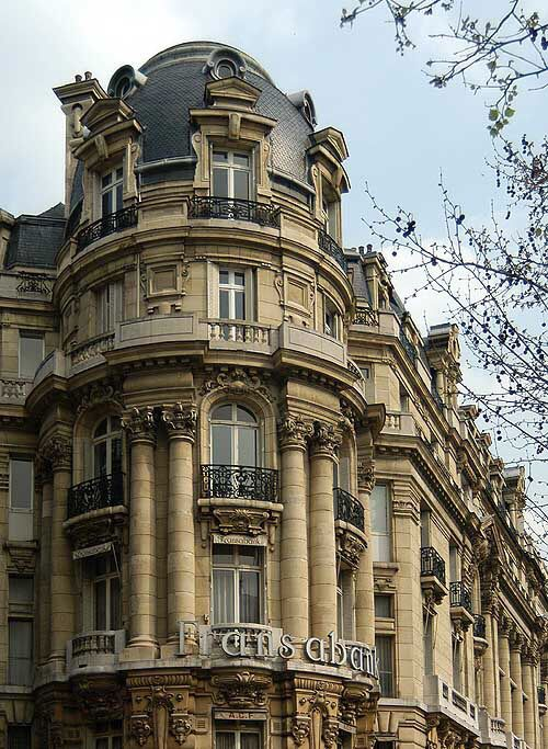 1000 images about french mansard roofs on pinterest new for Mansard architecture