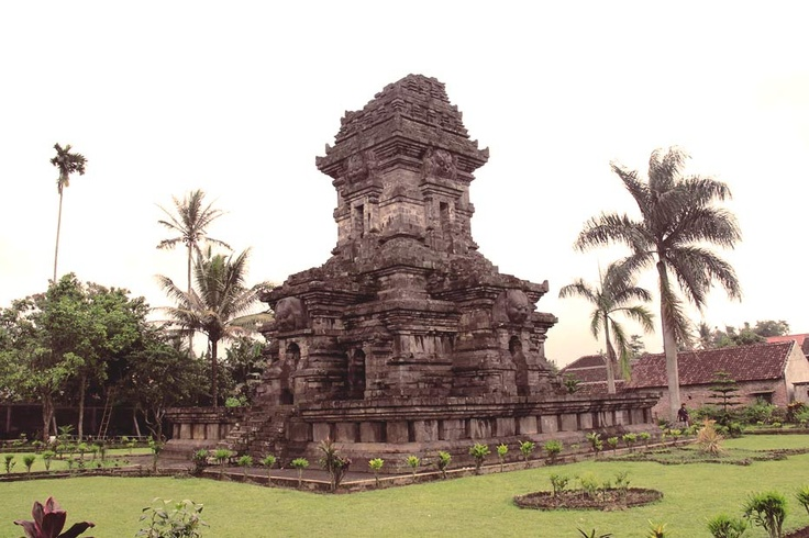 Not much remains of the once powerful 13th century East Java kingdom of Singosari but this one exotic temple that stands at the town of Singosari, located south of Surabaya, the capital of East Java.
