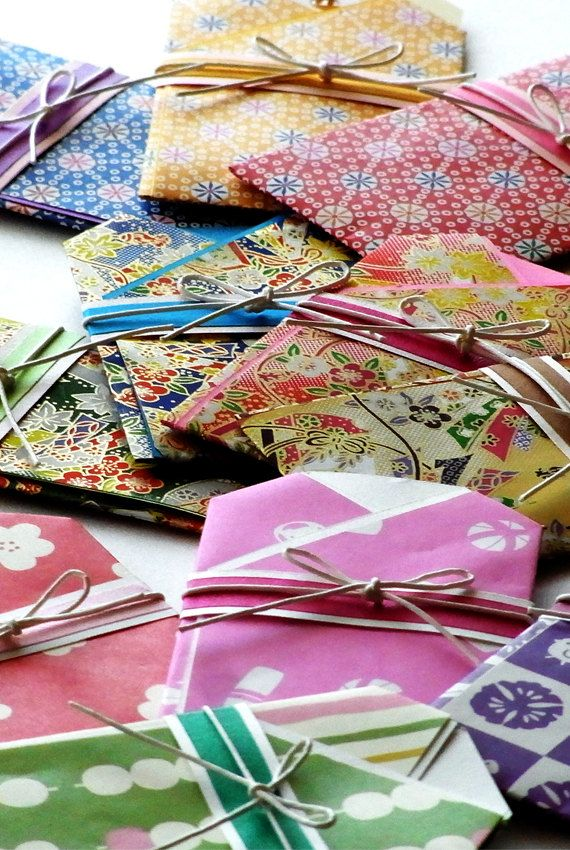 Japanese paper cards..***I could scan/copy old Kimono fabric onto paper and make these!/Meli.