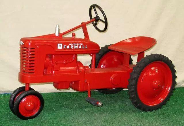1000 images about pedal tractors on pinterest john deere models and auction. Black Bedroom Furniture Sets. Home Design Ideas