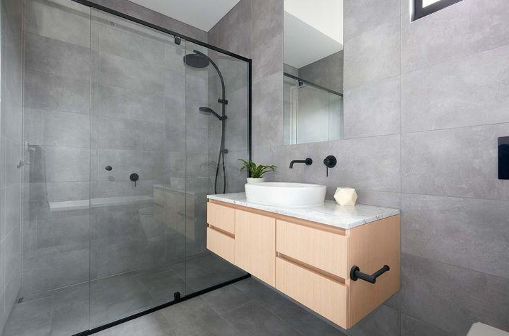 Bathroom built by Lazcon @lazconbuild