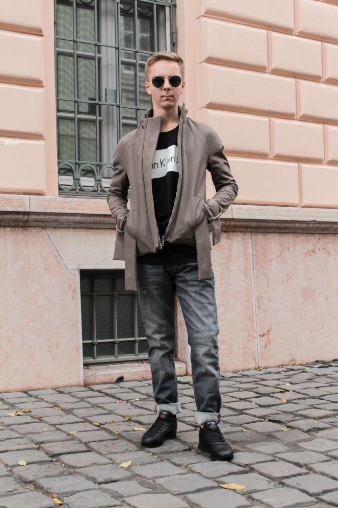 https://balazszsalek.com/2017/12/04/brown-bomber-and-oversized-jeans/