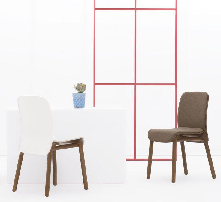 Krzesło A-1620 marki Fameg zachwyca prostotą i minimalizmem formy. Występuje w wersji twardej i tapicerowanej. Znajdź więcej na: www.euforma.pl #chair #fameg #design #polishdesign #furniture #krzesło