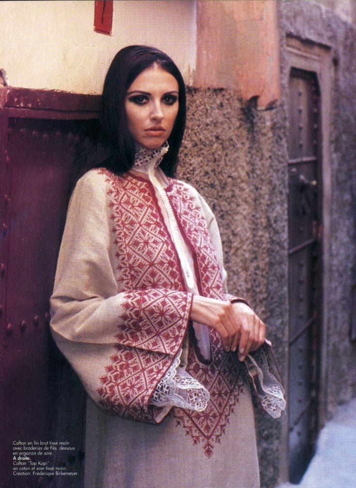 420 best Folklore Clothes images on Pinterest | Bordado palestino ...