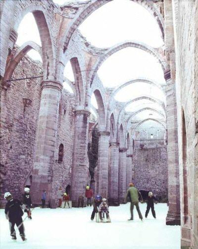 Isbanan i Sankta Karins kyrkoruin
