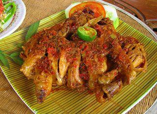 Resep Cara membuat ayam panggang betutu http://resepjuna.blogspot.com/2016/04/resep-ayam-panggang-betutu-di-oven-juna.html masakan indonesia