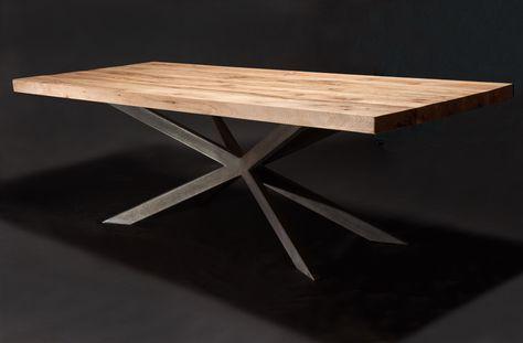 Massivholztisch aus Eichenholz-Altholz / Balkeneiche / Tischgestell in Sternform   Holzwerk-Hamburg